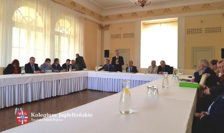 Debata z okazji XX-lecia samorządu województwa